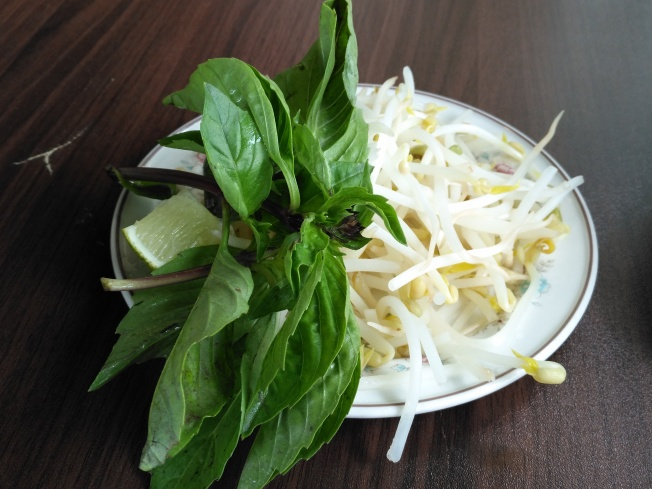 Bean sprouts and other garnishes