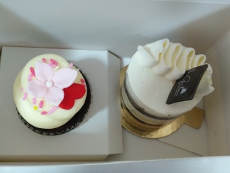 Red Velvet Cupcake and Earl Grey Mini Cake